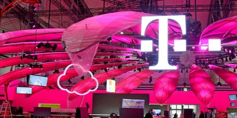 IT-Messe CeBIT - Foto: Messe-Aufbau der Telekom in Hannover:Die IT-Messe CeBIT läuft vom 20. bis 24. März. Foto:Holger Hollemann