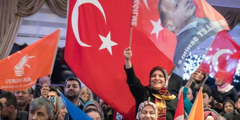 AKP-Wahlkampfveranstaltung - Foto: Boris Roessler