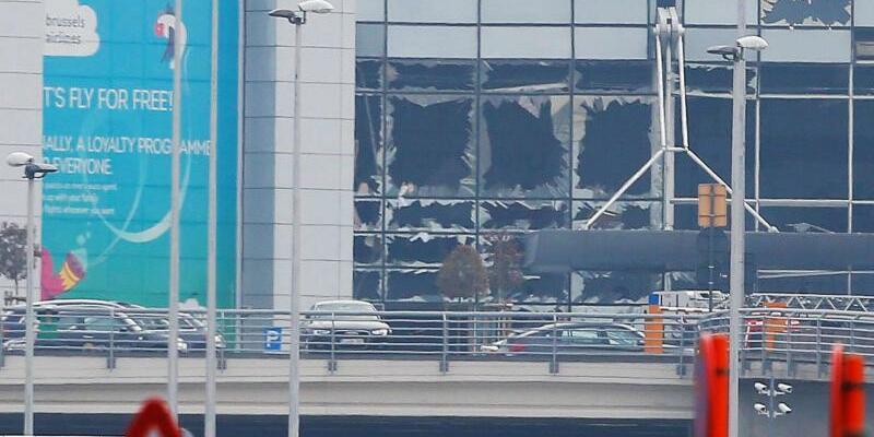 Anschlag auf Brüsseler Flughafen - Foto: Olivier Hoslet