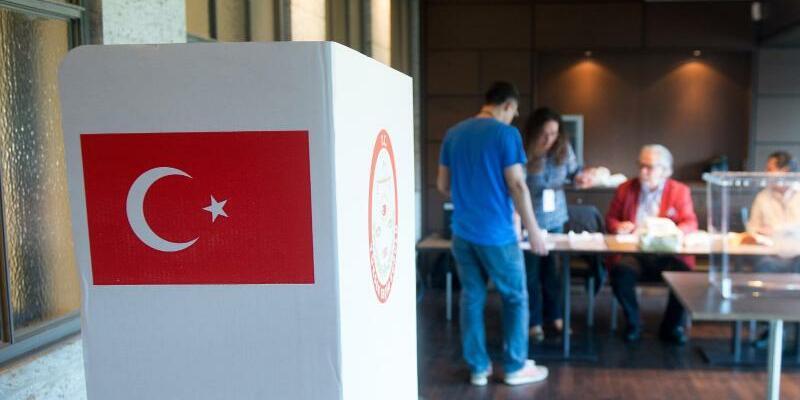 Vor Türkei-Referendum - Foto: Maurizio Gambarini