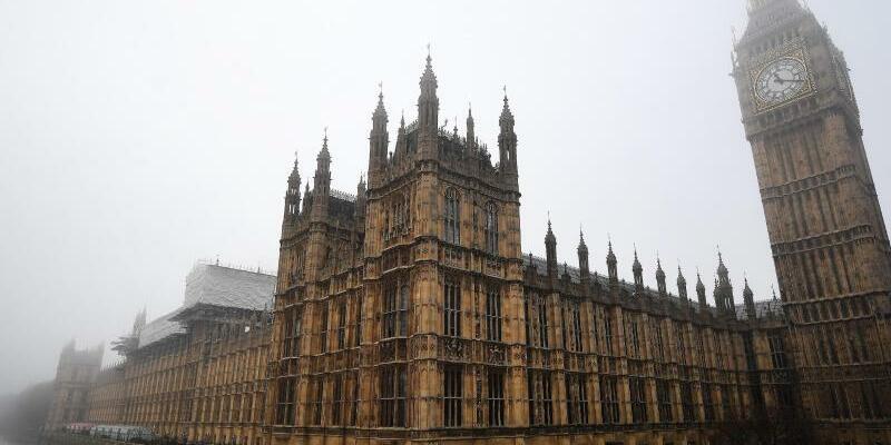 Britisches Parlament - Foto: In der Nähe des britischen Parlament sind Schüsse gefallen. Foto:Andy Rain/Archiv