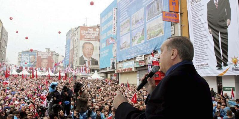 Erdogan spricht in Istanbul - Foto: Yasin Bulbul