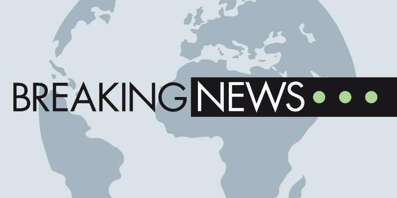 Breaking News - Foto: Kurz nach der Abfahrt des Mannschaftsbusses von Borussia Dortmund zum Champions-League-Spiel gegen den AS Monaco sind in der Nähe des Fahrzeugs drei Sprengsätze explodiert. Foto: