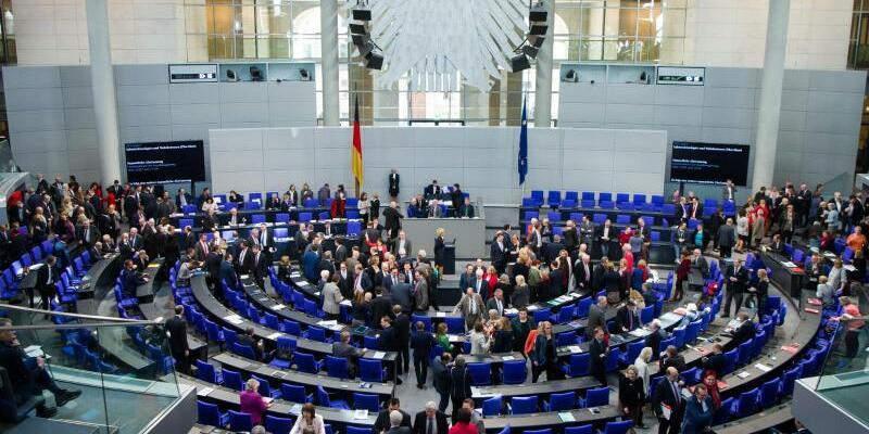 Bundestag - Foto: Bernd von Jutrczenka