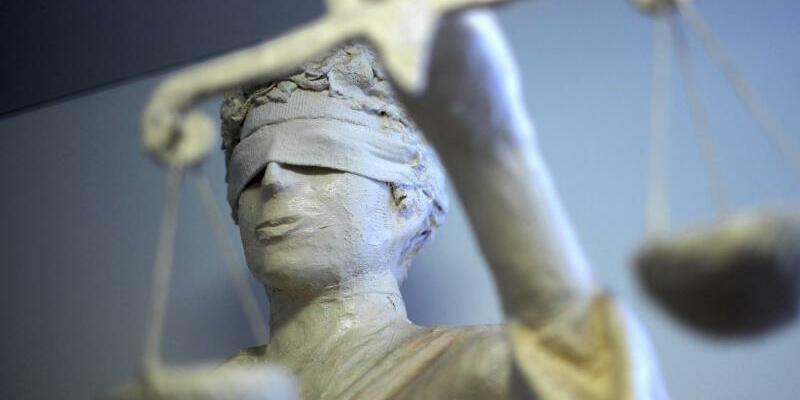 Justitia - Foto: Strafverfolgung nach der Heidelberger Todesfahrt: Die Tatvorwürfe reichten von Beleidigung bis hin zu Volksverhetzung. Foto:Peter Steffen/Archiv
