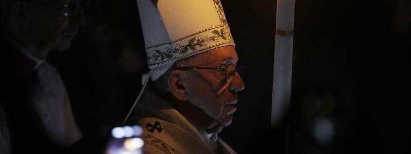 Osternacht im Vatikan - Foto: Andrew Medichini