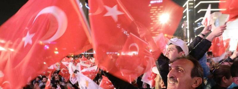 AKP-Anhänger - Foto: Michael Kappeler
