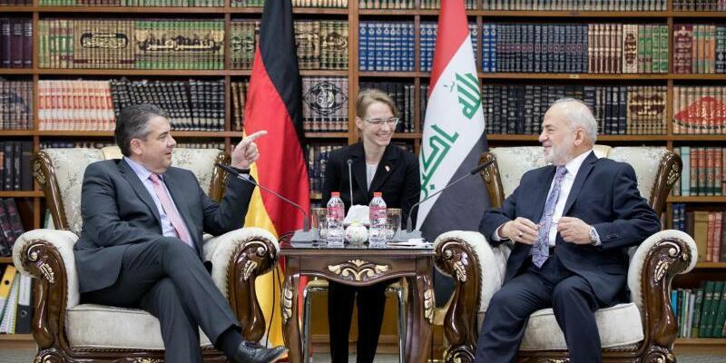 Sigmar Gabriel im Irak - Foto: Kay Nietfeld