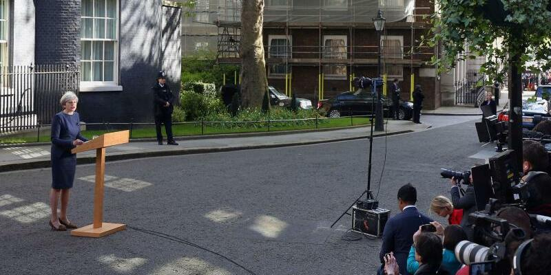 Theresa May kündigt Neuwahlen an - Foto: Philip Toscano