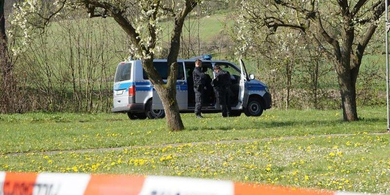 Polizei vor Ort - Foto: WichmannTV/dpa
