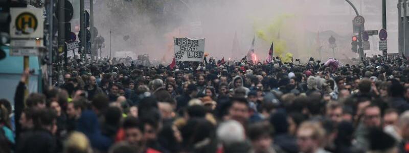 Protestmarsch - Foto: Ralf Hirschberger