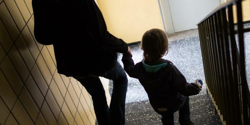 Alleinerziehende mit Kind - Foto: Marcel Kusch