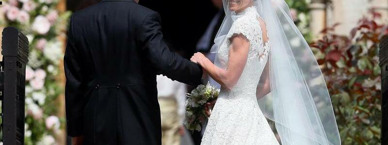 Pippa Middleton mit Vater Michael - Foto: Kirsty Wigglesworth