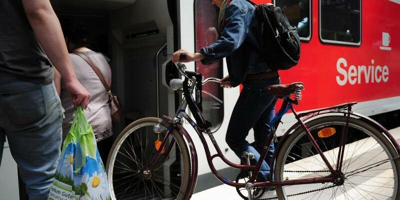 Fahrrad im Regionalzug - Foto: Michael Hanschke