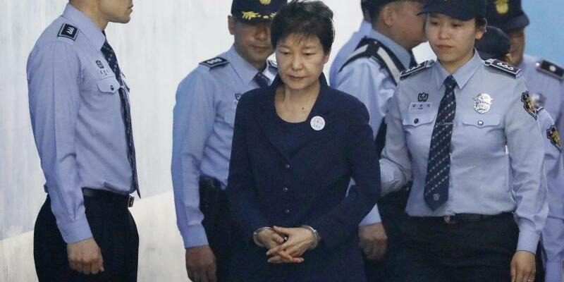 Prozessbeginn - Foto: Kim Hong-Ji