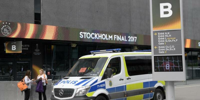 Polizeipräsenz - Foto: Andres Wiklund