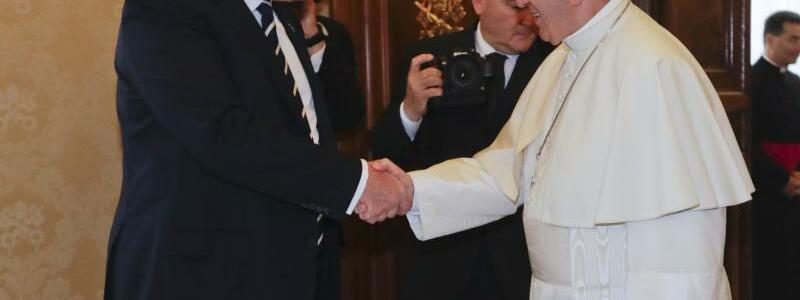 Trump und Papst - Foto: Alessandra Tarantino