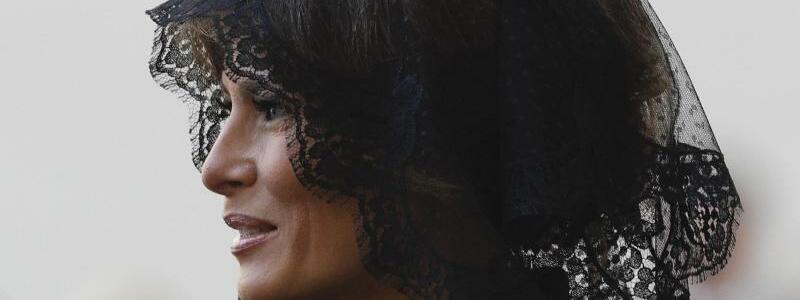 First Lady mit Schleier - Foto: Gregorio Borgia