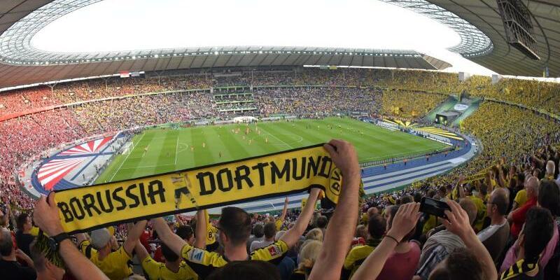 BVB-Fans - Foto: Peter Kneffel