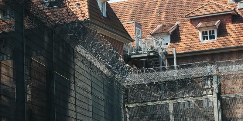 Klinik in Bedburg-Hau - Foto: Aus dieser Klinik in Bedburg-Hau war der als gefährlich und unberechenbar geltende Strafgefangene entzkommen. Foto:Oliver Berg