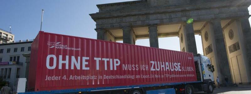Werbung für TTIP - Foto: Paul Zinken
