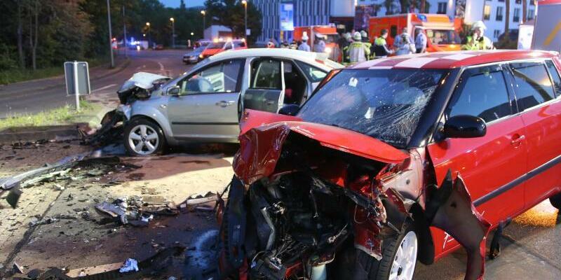 Zerstörte Fahrzeuge - Foto: Alex Talash