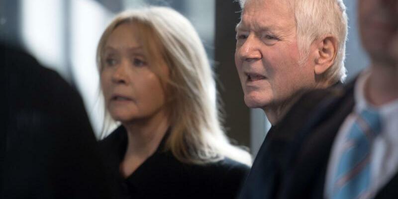 Schlecker-Prozess - Foto: Der ehemalige Drogeriekettenbesitzer Anton Schlecker und seine Frau Christa. Foto:Marijan Murat