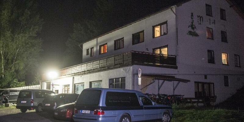Zwei Tote in Asylunterkunft - Foto: Armin Weigel