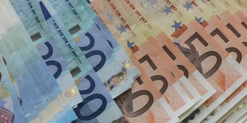 Euro-Geldscheine - Foto: Bernd Wüstneck