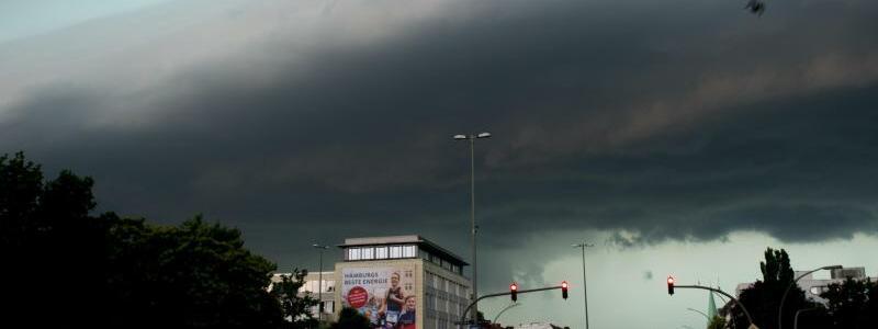 Unwetter in Hamburg - Foto: Axel Heimken