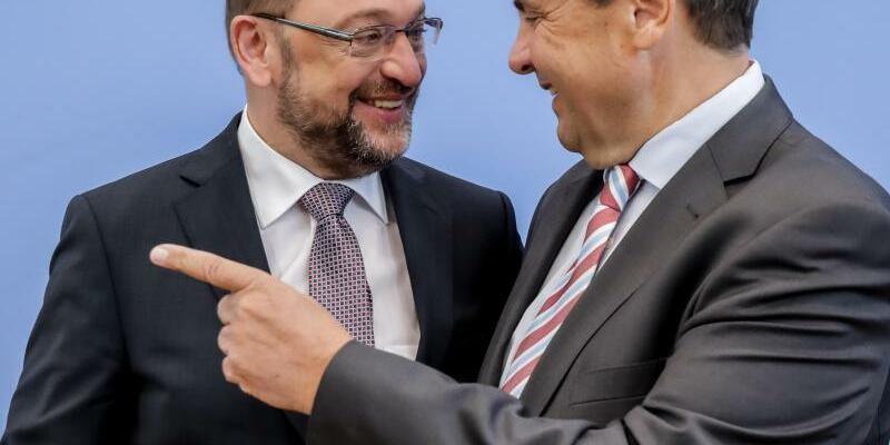 Gabriel und Schulz - Foto: Kay Nietfeld/Archiv
