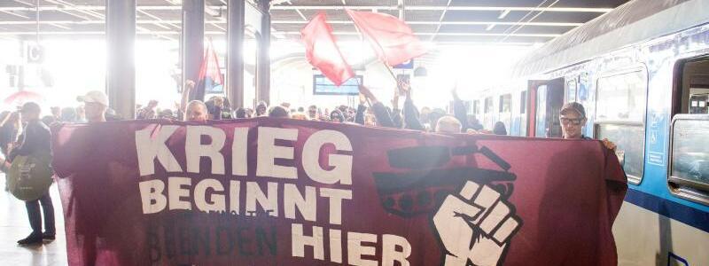Ankunft Protest-Sonderzug - Foto: Daniel Bockwoldt
