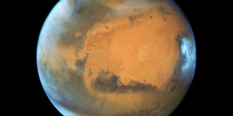 Planet Mars - Foto: EPA/NASA /HUBBLE