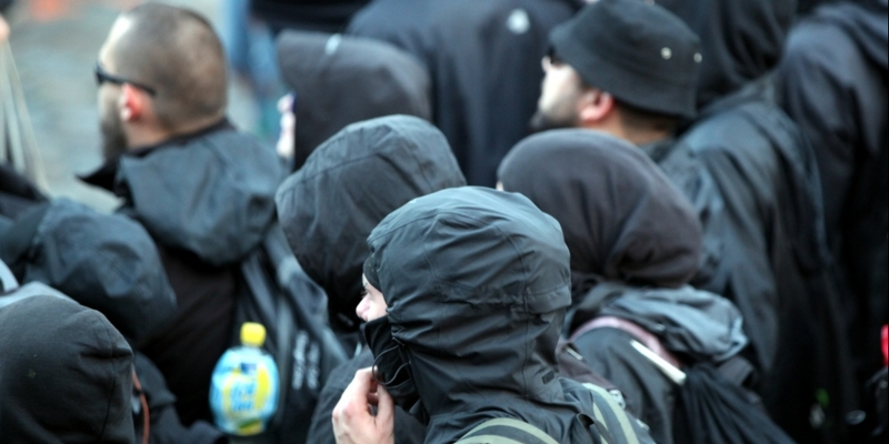 Schwarzer Block bei Anti-G20-Protest in Hamburg - Foto: über dts Nachrichtenagentur