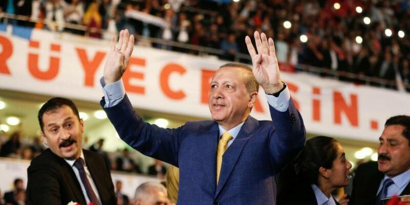 AKP-Sonderparteitag - Foto: Burhan Ozbilici