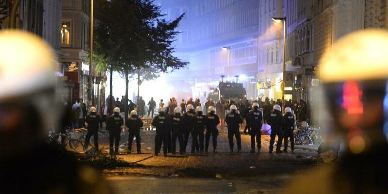Einsatz im Schanzenviertel - Foto: Daniel Bockwoldt