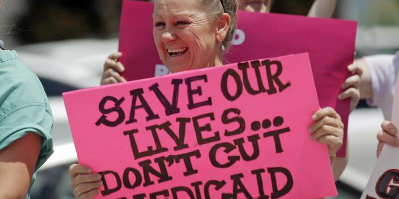 Protest gegen Abschaffung von Obamacare - Foto: Rick Bowmer