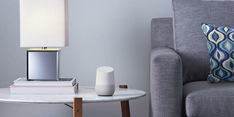 Google-Lautsprecher - Foto: Der «Google Home»-Lautsprecher kommt jetzt auch in Deutschland auf den Markt.Foto:Google