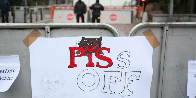 Protest gegen Medien-Regulierungen in Polen - Foto: Leszek Szymanski/Archiv