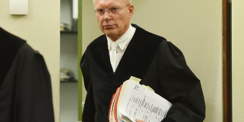 Richter Manfred Götzl - Foto: Richter Manfred Götzl musste die im NSU-Prozess geplanten Plädoyers der Anklage nach langen Diskussionen vertagen. Foto:Tobias Hase