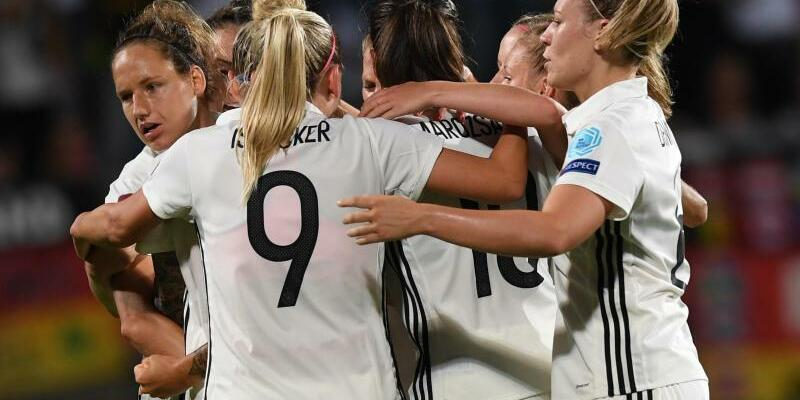 Nationalspielerinnen - Foto: Carmen Jaspersen/dpa