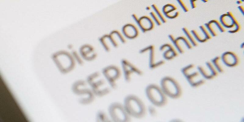 Online-Banking - Foto: Lino Mirgeler