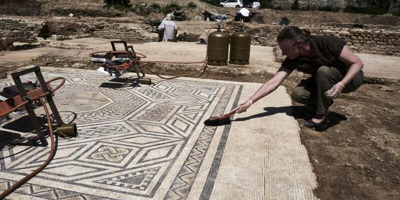 Archäologische Grabung bei Sainte-Colombe - Foto: Jean-Philippe Ksiazek/AFP