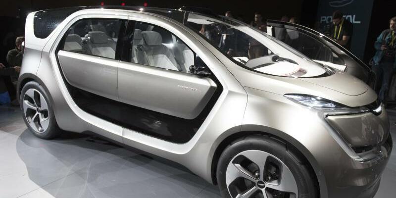 Fiat Chrysler - Foto: Elektrischer Prototyp von Fiat Chrysler: Der Der italienisch-amerikanische Hersteller Chrysler will der BMW/Intel-Allianz für autonome Autos beitreten. Foto:Jason Ogulnik