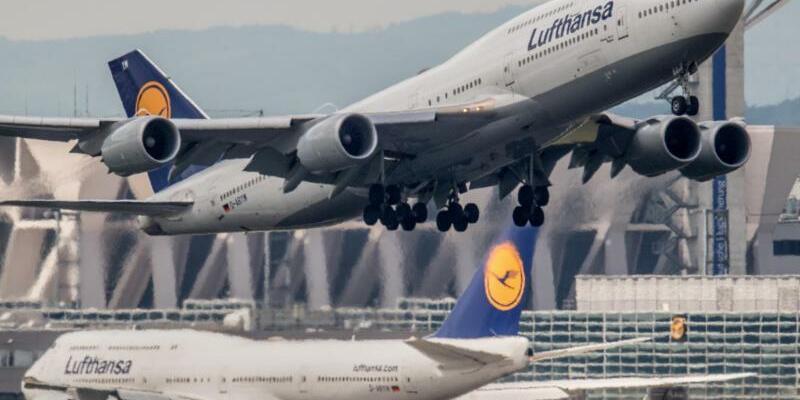 Startende Lufthansa-Maschine - Foto: Boris Roessler/Archiv