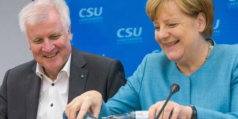 Merkel und Seehofer - Foto: Nicolas Armer