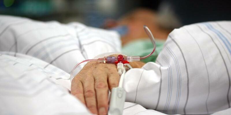 Patient auf Intensivstation - Foto: Kay Nietfeld