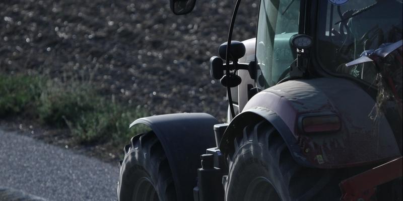 Bauer auf Traktor - Foto: über dts Nachrichtenagentur