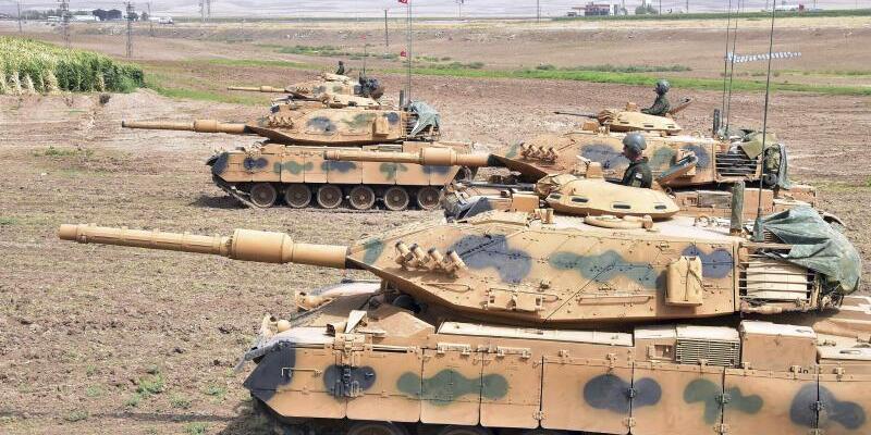 Türkisches Manöver an der Grenze zum Irak - Foto: Vor dem Unabhängigkeitsreferendum hat die türkische Armee die Militärpräsenz nahe der Grenze zum Irak verstärkt. Foto:Pool Turkish Military