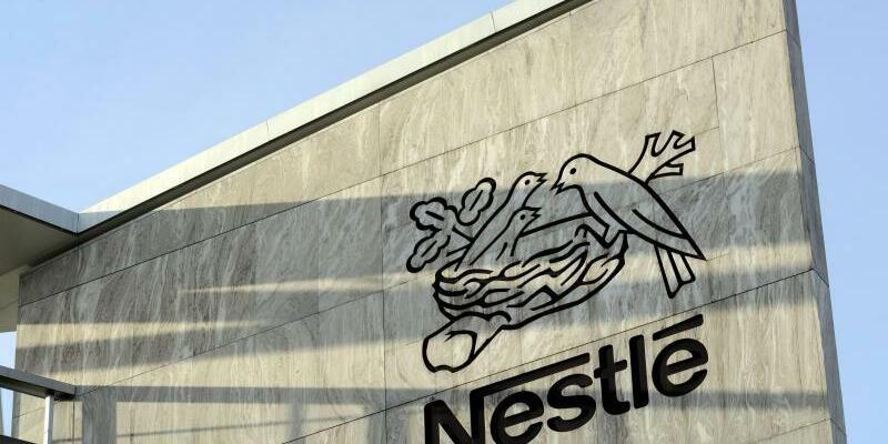 Nestle - Logo - Foto: Laurent Gillieron/KEYSTONE FILE/dpa